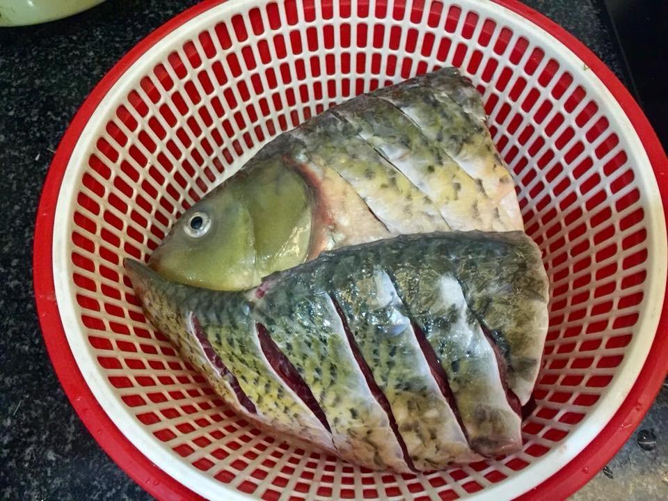 Tự làm riêu cá chép thơm ngon đãi cả nhà