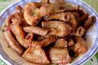 Đổi vị với món lòng heo rim nước dừa