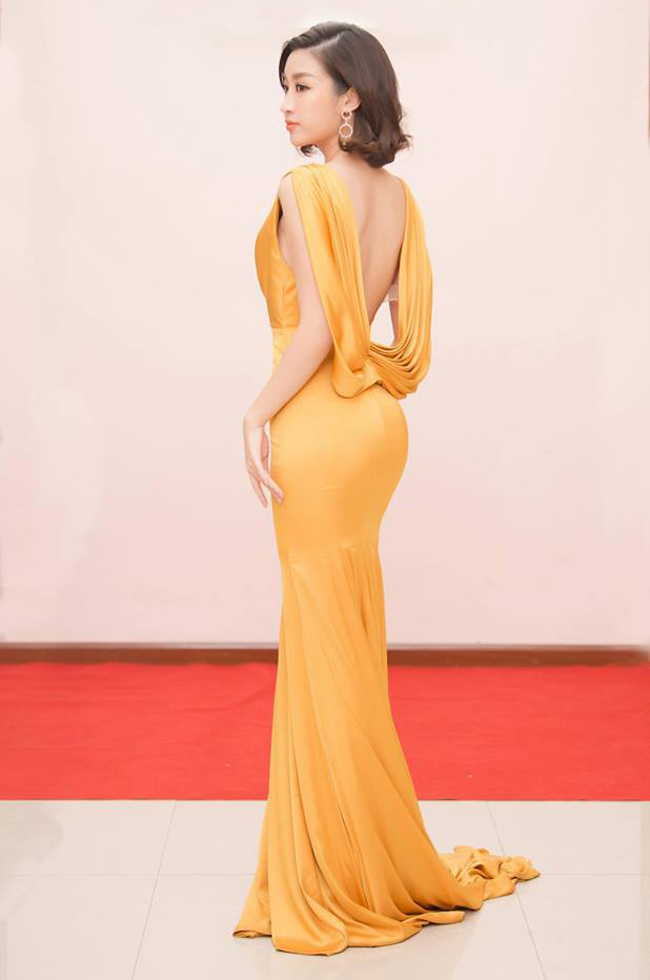 Nhã Phương, Bảo Anh mặc váy khá nhạy cảm, dùng nội y là 'hỏng'