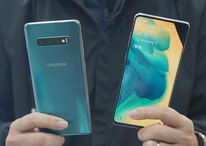 Điện thoại đã 'đội giá' từ 600 USD lên 2.000 USD như thế nào?