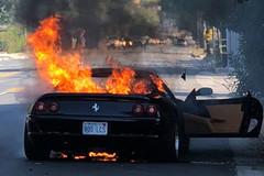 Ferrari triệu hồi hàng loạt siêu xe có nguy cơ tự cháy