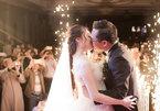 Tự Long làm MC đám cưới NSND Trung Hiếu với vợ kém 19 tuổi