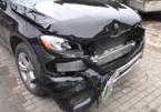 """Xem thợ """"phù phép"""" Mercedes-Benz GLC nát đầu thành như mới"""