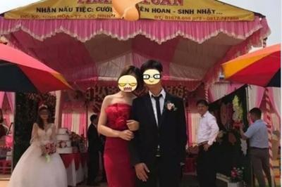 Sự thật bức ảnh chú rể khoác tay, tươi cười với 'tình cũ' trong đám cưới