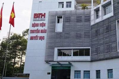 Bác sĩ vòi tiền 15 bệnh nhân ung thư bị đình chỉ giảng dạy