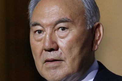 Tổng thống Kazakhstan bất ngờ từ chức