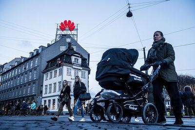 Huawei bị tập đoàn viễn thông lớn của Đan Mạch loại khỏi 'cuộc chơi'