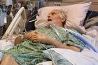 Chồng nhiễm siêu vi khuẩn không thuốc trị, vợ tìm thấy 'giải độc' ở nơi không ngờ