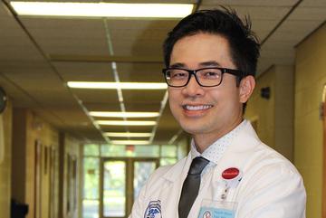 Cú sốc đêm đầu đặt chân đến Mỹ thay đổi cuộc đời chàng bác sĩ Việt