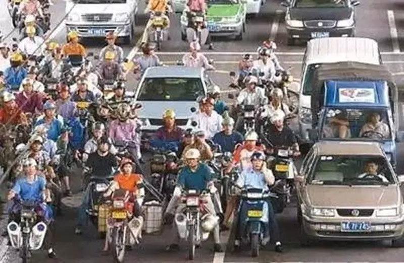 Nhìn thành phố này 'lột xác', bạn sẽ đòi cấm xe máy ngay và luôn