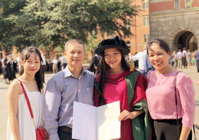 Cô gái Tày từng không biết tiếng Kinh là Giám đốc quản lý Khóa cao học tại Anh