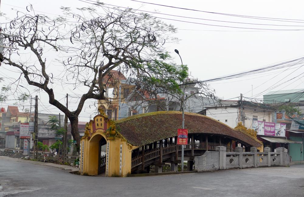 Thực hư kho báu chôn dưới chân cây cầu 500 năm tuổi ở Nam Định
