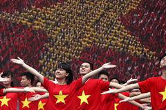Hạnh phúc nhất thế giới, Mỹ xuống hạng, Việt Nam lên