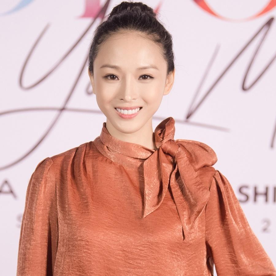 Hương Giang Idol catwalk sexy khiến người xem nghẹt thở
