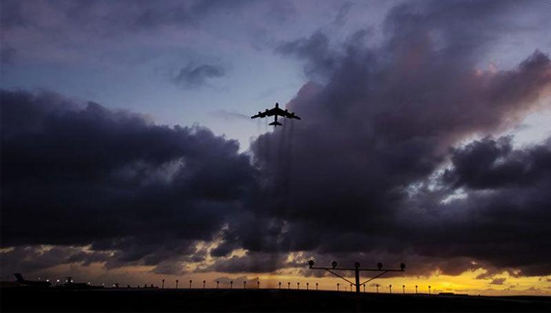 Điều cả loạt 'pháo đài bay' đến Âu châu, Mỹ muốn dằn mặt ai?