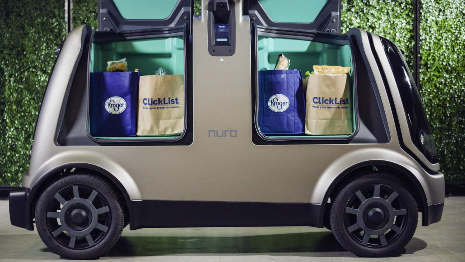 Hãng bán lẻ của Mỹ thử nghiệm giao hàng bằng xe tự hành