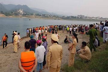 Thảm cảnh 8 học sinh đuối nước thương tâm trên Sông Đà