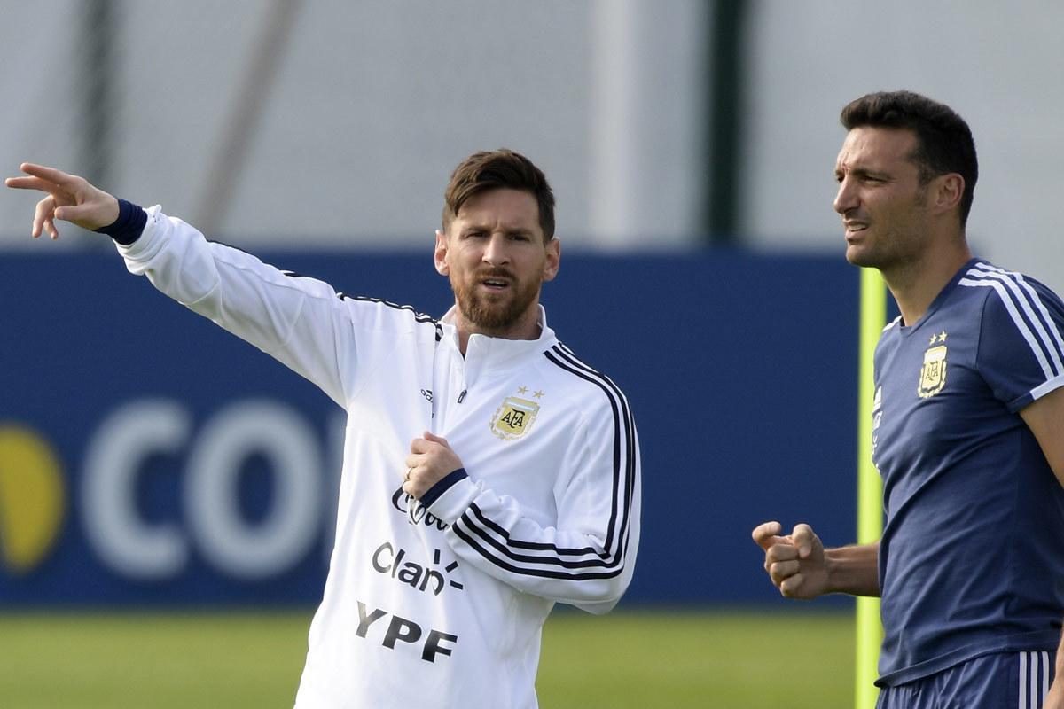 Messi tái xuất Argentina: Hãy dũng cảm cho ra khí phách!