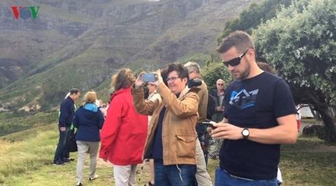 Kinh nghiệm du lịch: Nên đi tự túc hay mua tour?