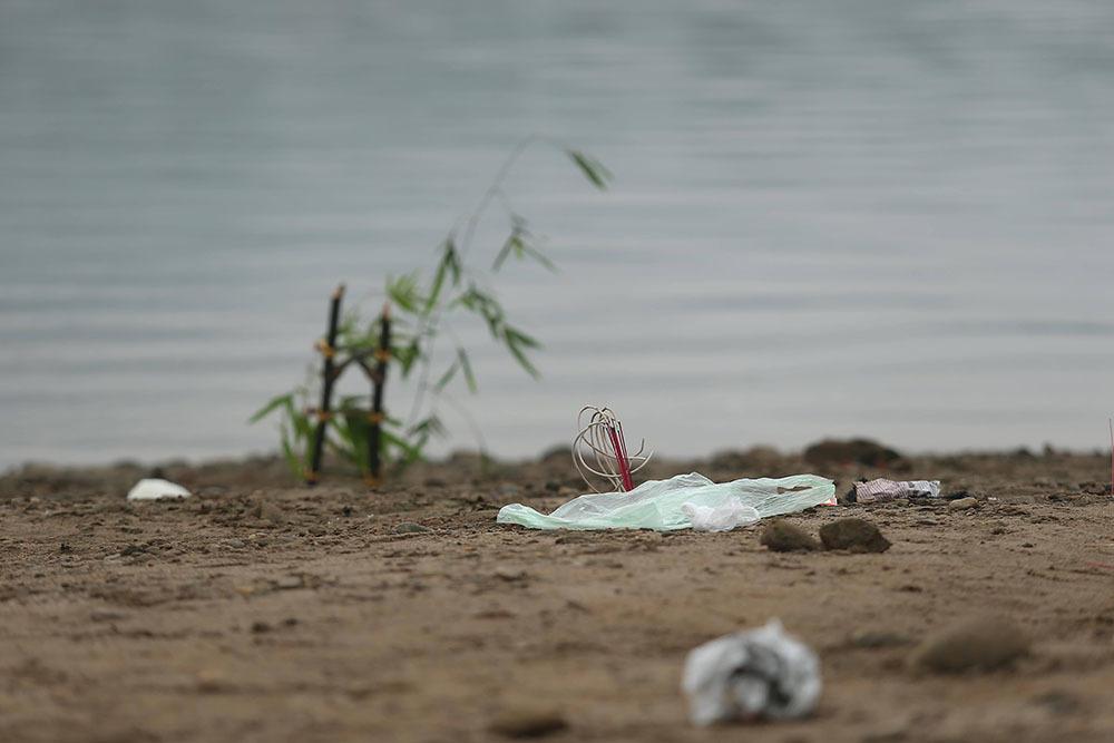 Khư vực bãi sông nơi 8 em gặp nạn