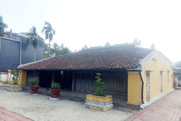 Trầm trồ ngôi nhà 300 thợ xây trong 3 năm độc nhất ở Bình Dương
