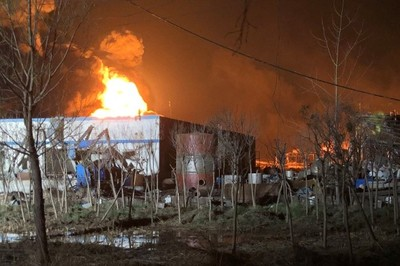 Hiện trường nhà máy hóa chất nổ kinh hoàng, gần 800 người thương vong