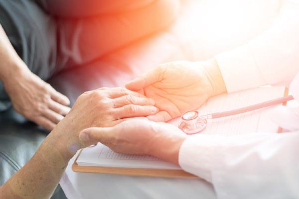 Phòng bệnh ung thư: cần có kế hoạch tài chính