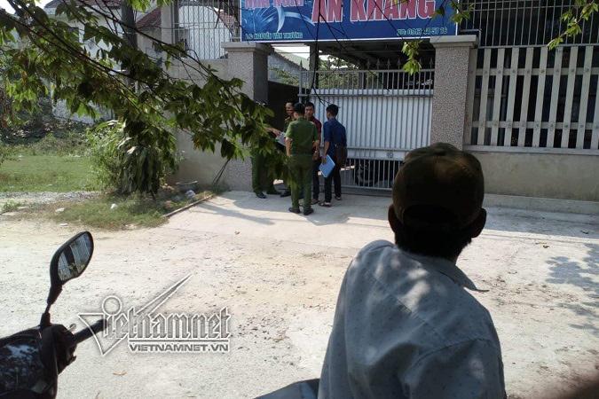 Truy bắt kẻ lao vào nhà nghỉ đâm con gái chủ nhà nguy kịch