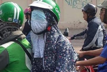 Đeo khẩu trang nhầm chỗ, nữ 'ninja' khiến cả phố lo lắng thay