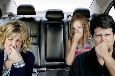 6 mùi lạ báo động tình trạng ô tô gặp vấn đề