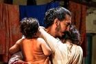 Nghẹt thở trước vụ thảm sát kinh hoàng tại Ấn Độ tái hiện trong 'Hotel Mumbai'