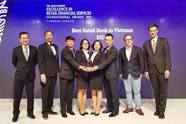 BIDV-Ngân hàng Bán lẻ tốt nhất Việt Nam 5 năm liên tiếp