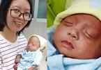 Em bé 'Kangaroo' khi sinh ra chỉ to bằng bàn tay được nuôi sống