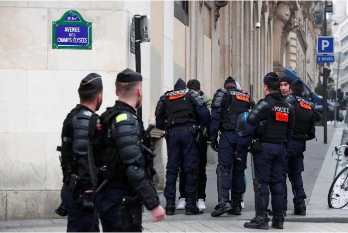 Biểu tình tái diễn ở Paris, nhà chức trách thề 'không khoan dung'