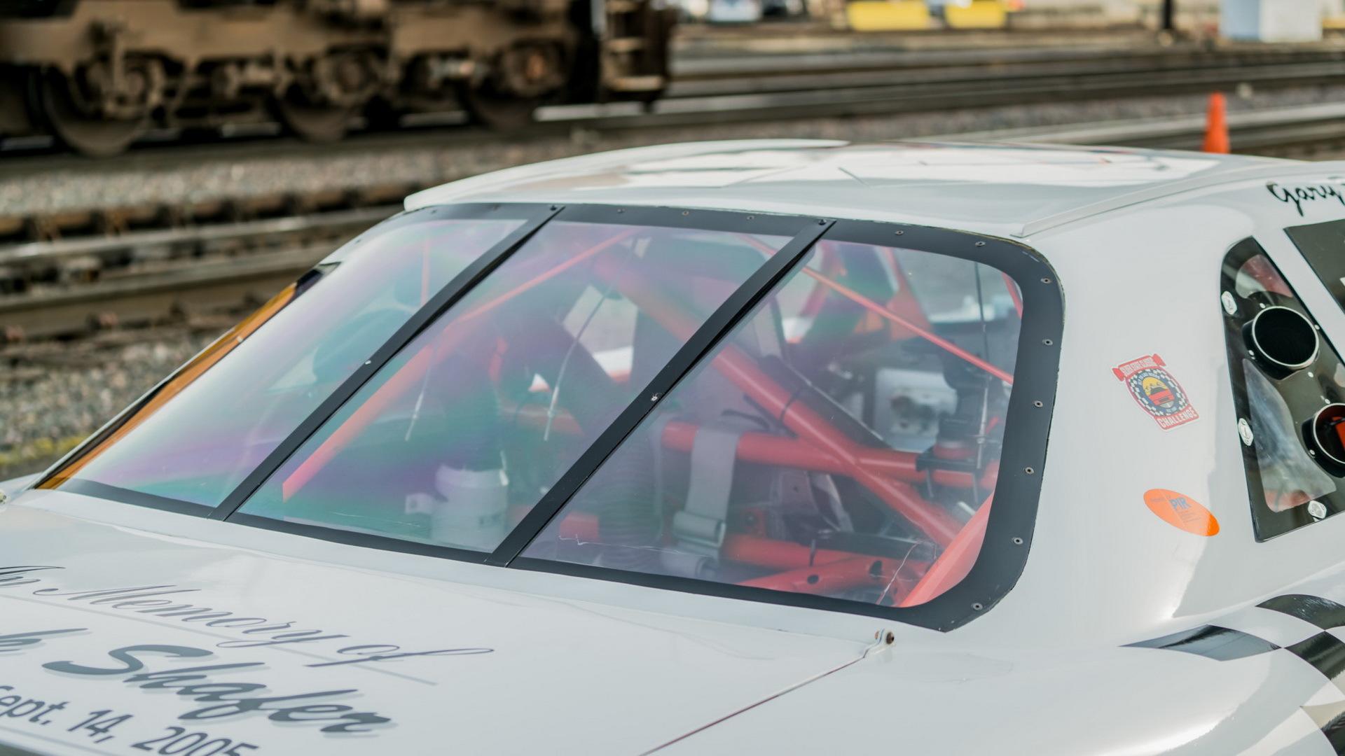'Giật mình' xe đua lập kỉ lục Guinness giá chỉ ngang 2 chiếc xe máy Honda SH