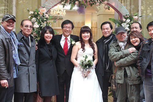 NSƯT Trọng Trinh: 'Vợ tôi trẻ hơn 16 tuổi cũng chỉ là chuyện nhỏ'