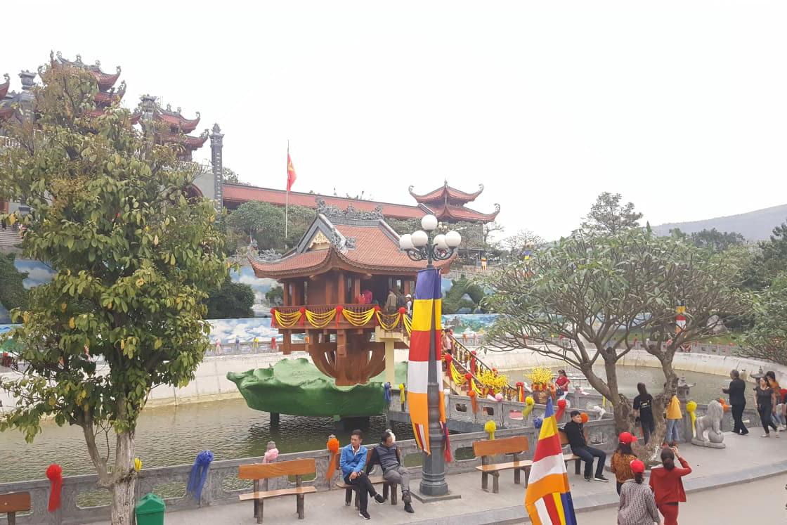 Chùa Ba Vàng,Phật giáo