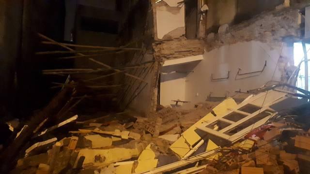 Nhà 2 tầng ở Thanh Hóa bất ngờ đổ sập trong đêm
