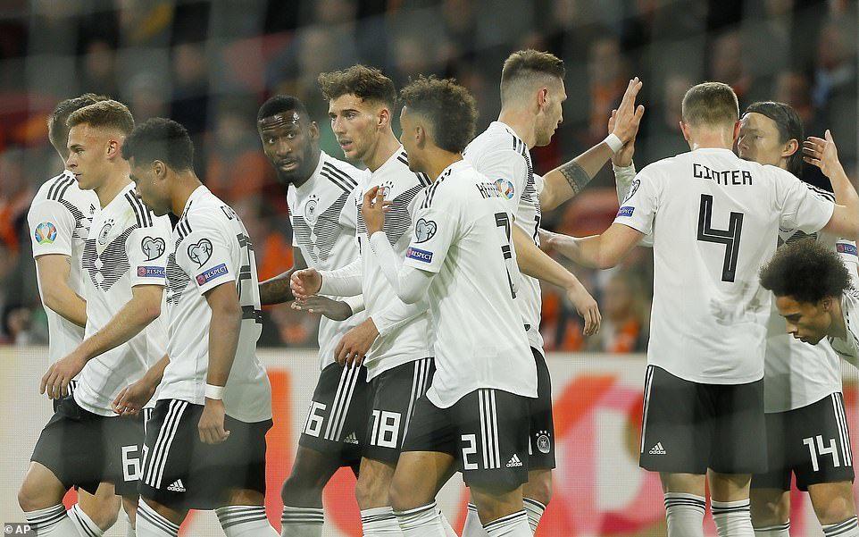 Đức hạ Hà Lan sau màn rượt đuổi siêu kịch tính