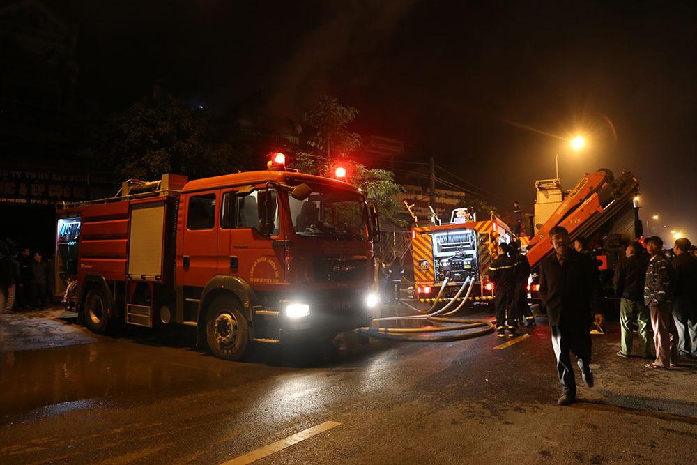 Hà Nội: Cháy rực nhà 5 tầng trong đêm, chủ nhà thiệt mạng