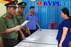 Một thiếu tá bị tước danh hiệu công an nhân dân