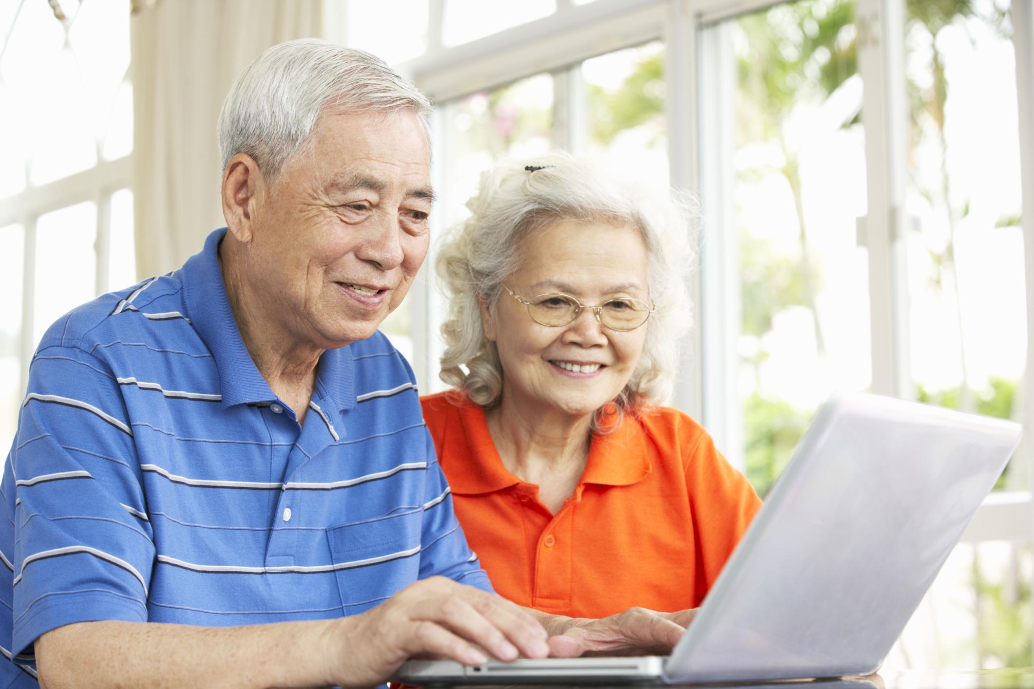 facebook,lừa đảo qua facebook,lừa đảo trên mạng,người già