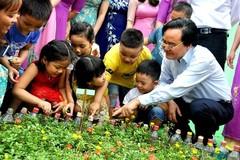 """Bộ trưởng Phùng Xuân Nhạ: """"Chương trình phổ thông mới là cơ hội để thầy cô thay đổi"""""""