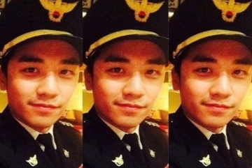 Cảnh sát chính thức điều tra bộ quân phục Seungri mặc 5 năm trước