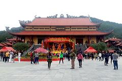 Ai sẽ chịu trách nhiệm trong vụ chùa Ba Vàng?