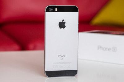 iPhone giá rẻ lại được bán trên cửa hàng Apple, giá gần 6 triệu đồng
