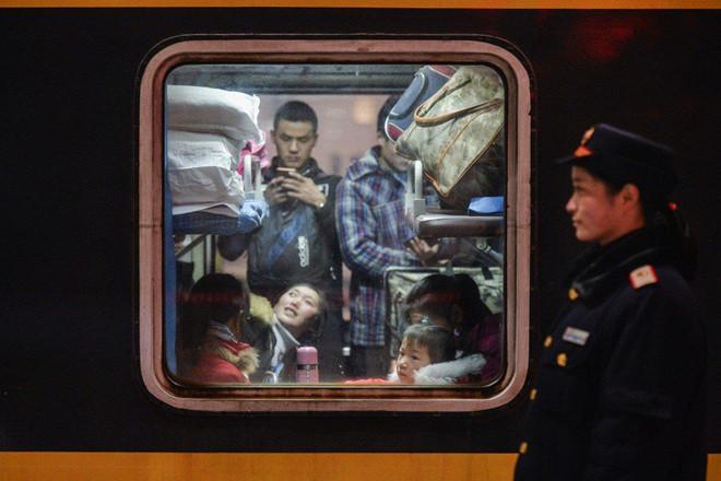 Nằm trong 'danh sách đen', 13 triệu người TQ sống khổ hơn đi tù