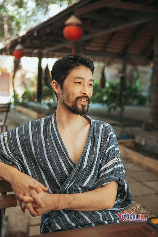 Johnny Trí Nguyễn: Không quan tâm ngoại hình, bên Nhung Kate không cần cưới