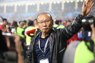 Thầy Park huỷ kèo Filip Nguyễn, Đặng Văn Lâm kê cao gối