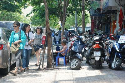 Xe máy đi sai làn đường bị phạt 300-400 ngàn đồng